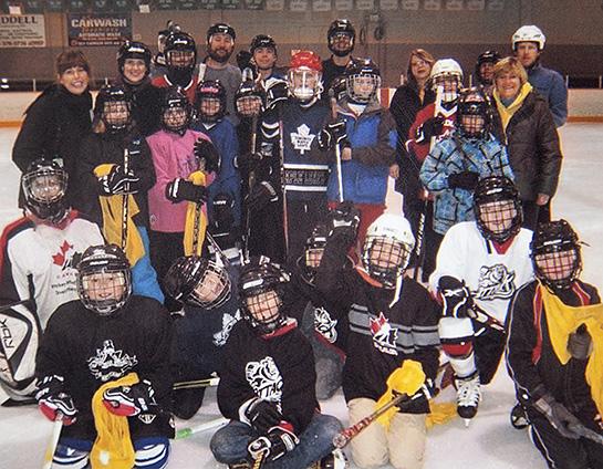 ThursdayAMhockey-545x